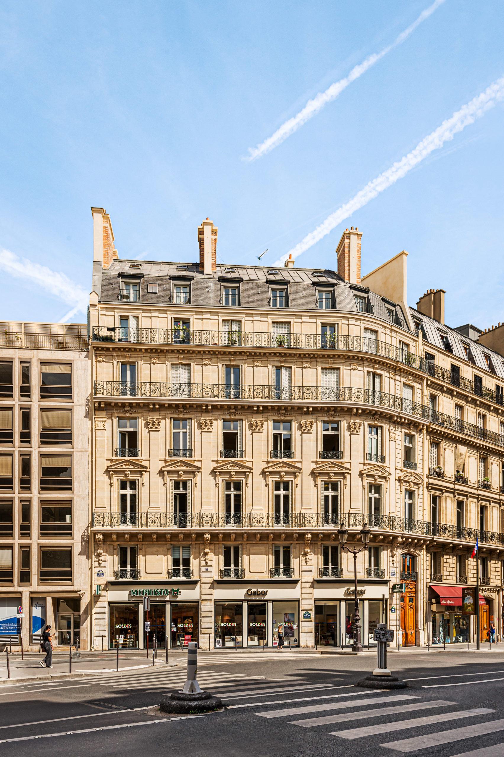 Façade d'un immeuble à Paris