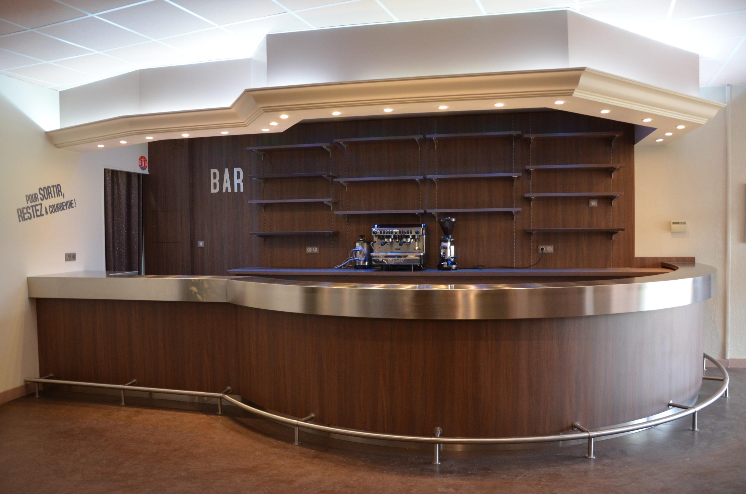 Vue complète du bar