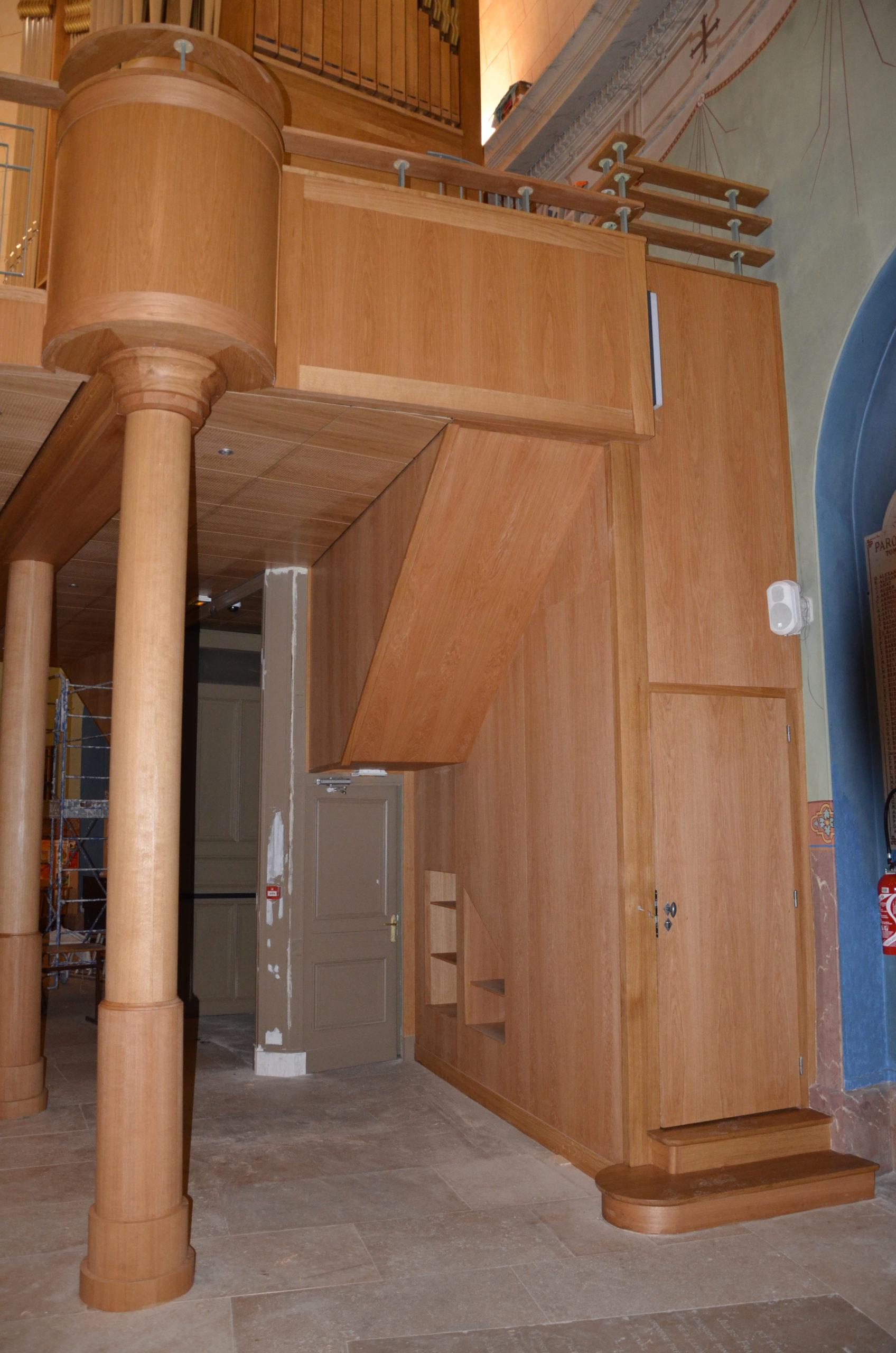 détail d'une tribune pour un orgue église