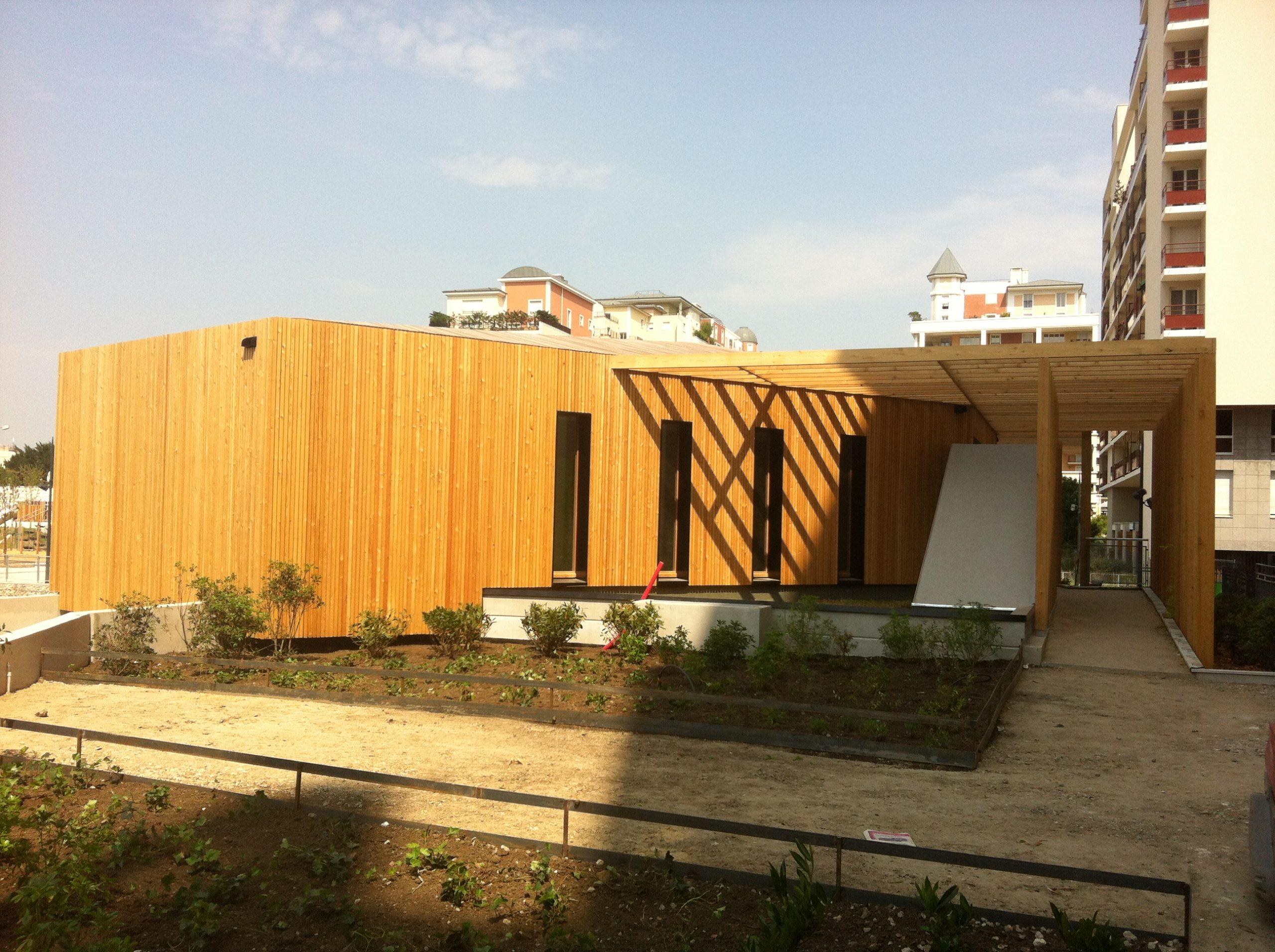 Façade bois d'un bâtiment